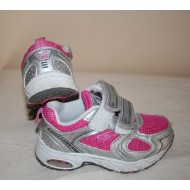 Sneaker Size 22