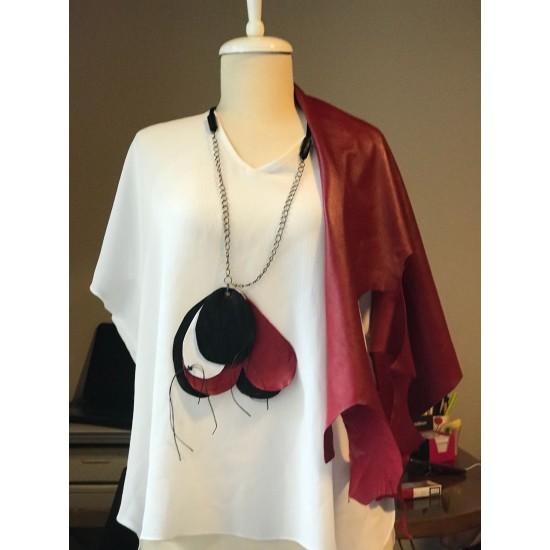 Red Black Design Necklace