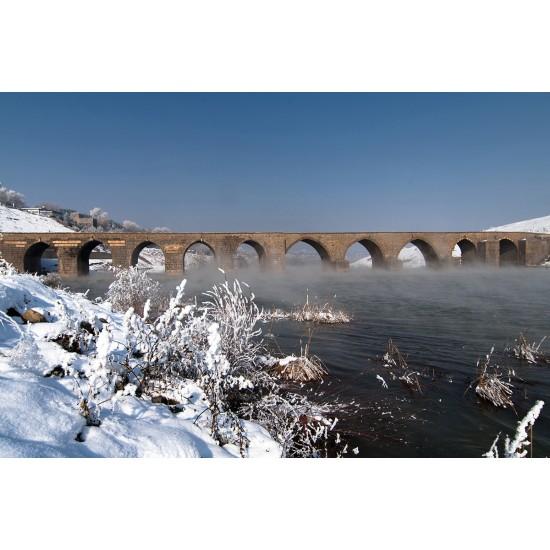 Diyarbakir Ten-Eyed Bridge View